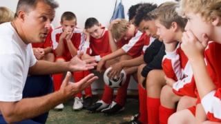 3 pasi simpli prin care un antrenor poate integra practicile mentale in antrenamentele zilnice ale echipei
