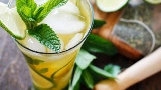 3 bauturi pe care sa le bei vara pentru a-ti mentine aspectul sanatos al pielii