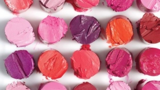 De ce trebuie sa alegi un ruj de buze non-toxic