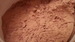 Detoxifierea naturala a pielii cu argila rosie