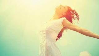 Devii ceea ce gandesti, ce simti atragi, ce iti imaginezi creezi. Aplica Legea Atractiei pentru o viata mai fericita!