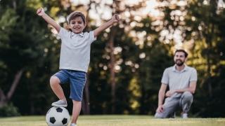 Mesajele pe care le transmiti copiilor tai le modeleaza experienta sportiva