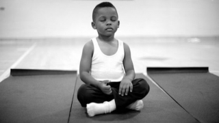 O scoala inlocuieste pedepsele cu meditatia, iar rezultatele sunt minunate!