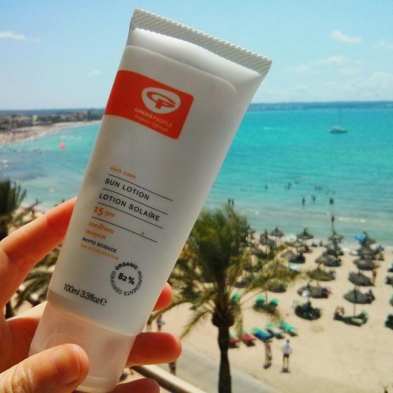 Crema protectie solara Green People cu SPF 15 si accelerator natural de bronzare